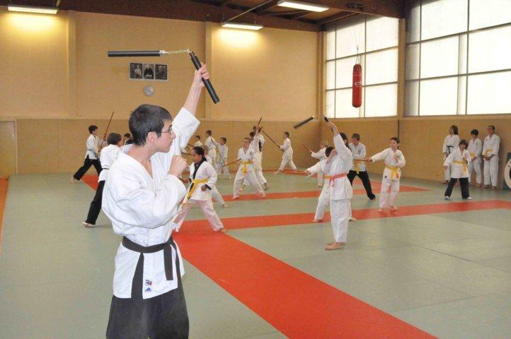 Entrainement adulte, Pratique du nunchaku