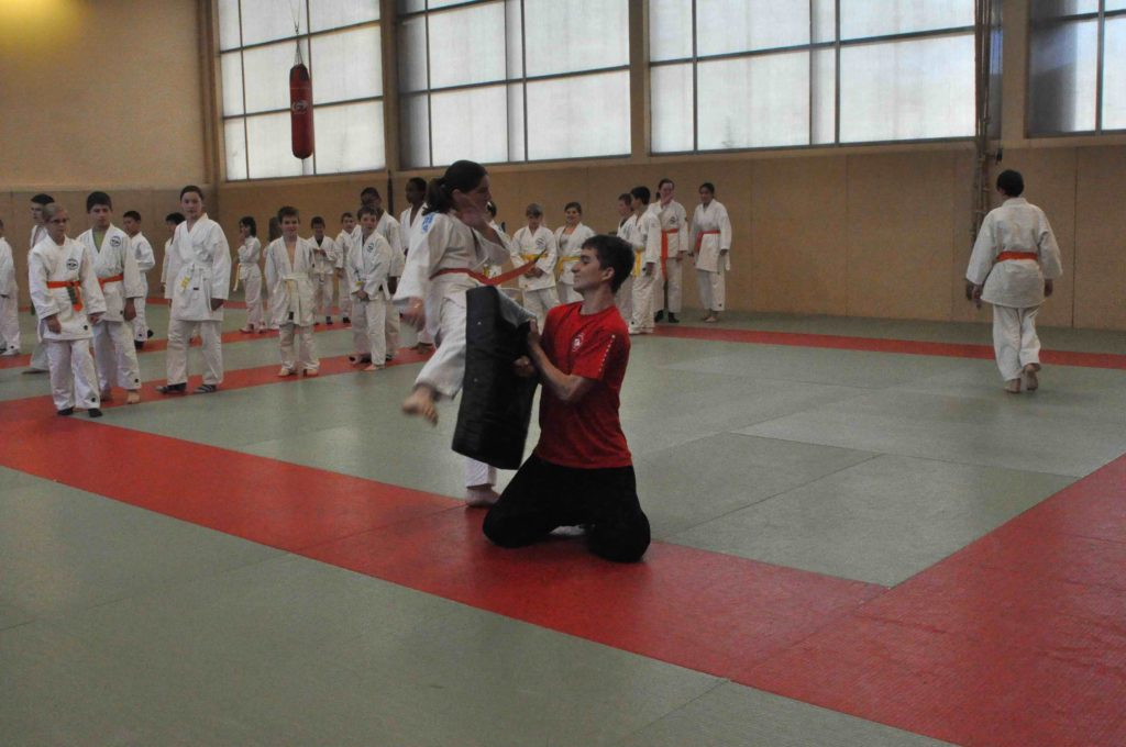 Entrainement enfant, entrainement sur makiwara