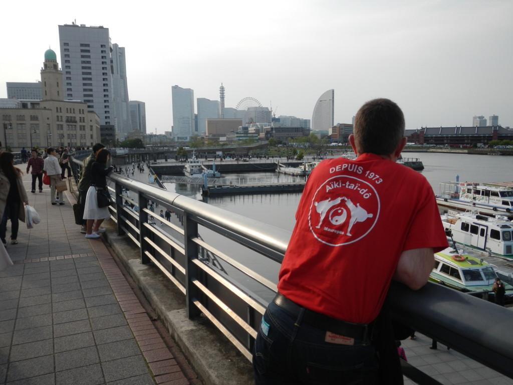 2016 Hervé au Japon, bord de mer à Yokohama